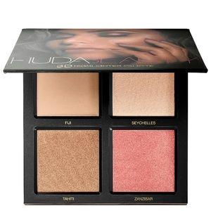 Huda Beauty Golden Sands Highlighter Palette